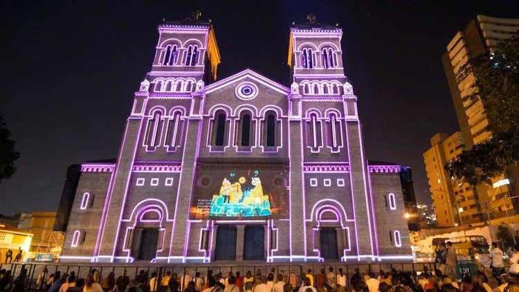 3214 vive una travesia con el show de luces en la plaza de bolivar