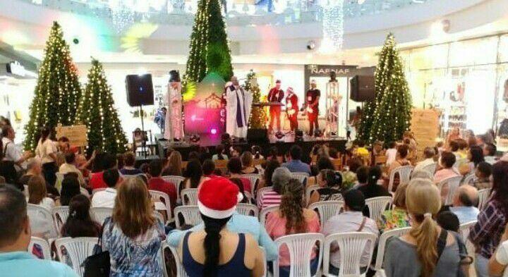 2136 asi viven las novenas de aguinaldo los bumangueses