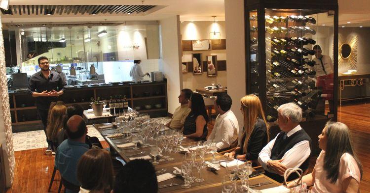 4002 la experiencia de una cata de vinos en un restaurante de bucaramanga