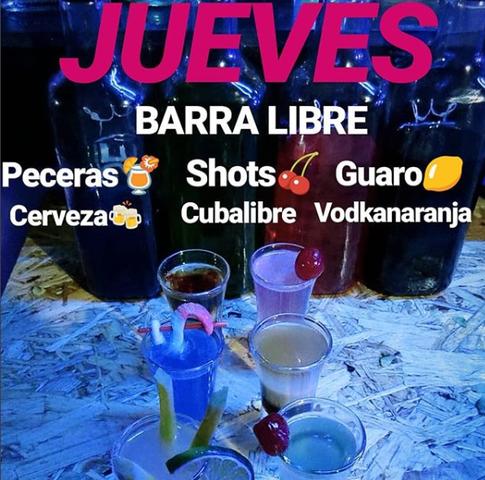 Jueves de Barra Libre en Play Shots