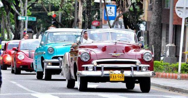 Desfile de Clásicos y Antiguos